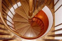 Кроме удобства, которое можно достичь таким образом, винтовые лестницы придадут вашему дому особенный уют.